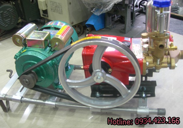 máy rửa xe máy Đài Loan
