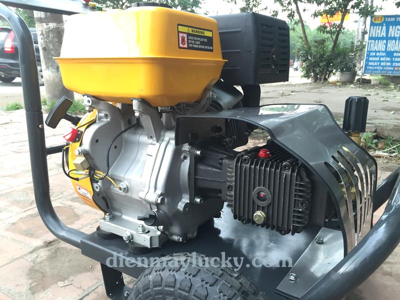 Máy rửa xe cao áp chạy xăng 13HP