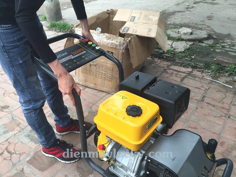 Máy rửa xe ô tô cao áp chạy xăng 13HP Lutian