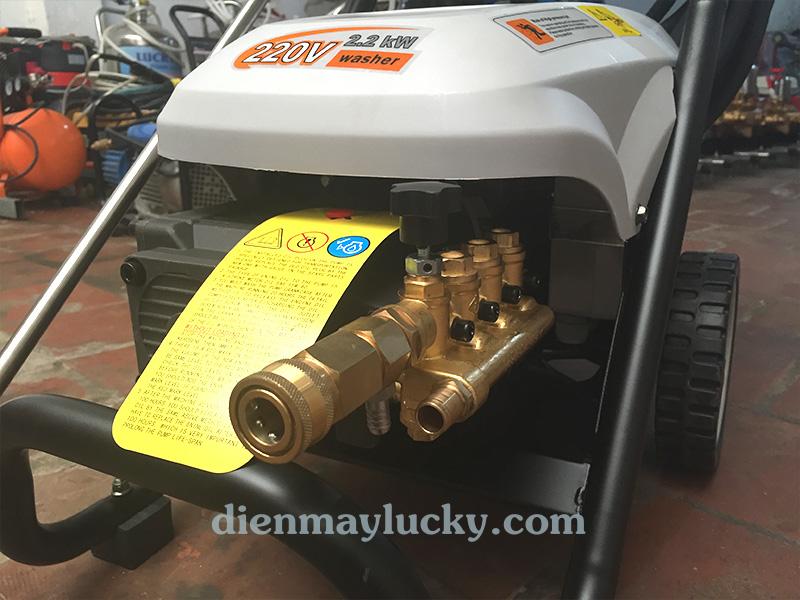 Máy rửa xe ô tô cao áp lucky star 1500 PSI chính hãng