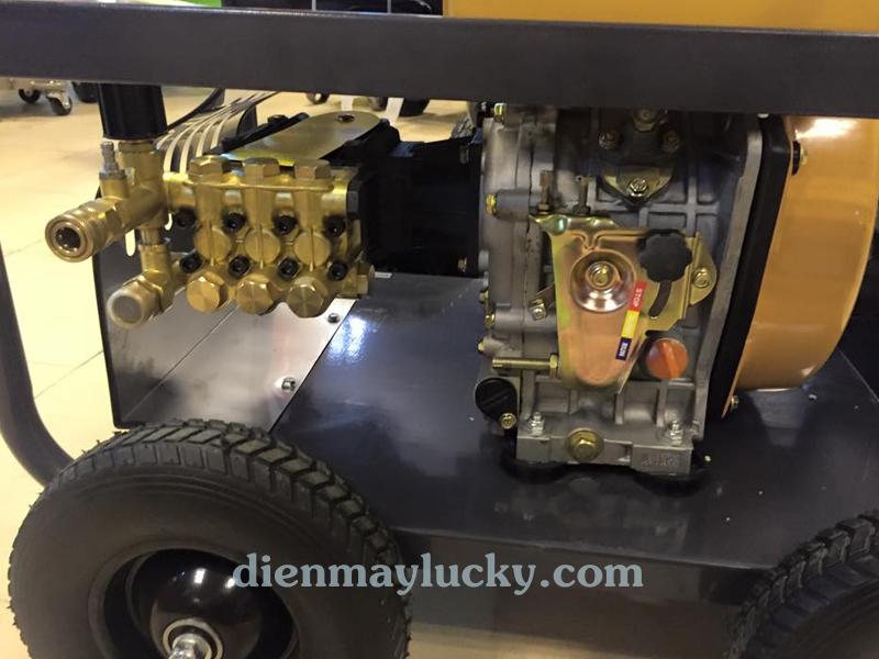 Máy rửa xe cao áp chạy dầu Diesel Lutian 10HP 1
