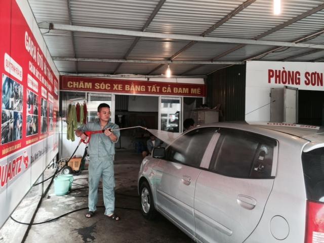 máy rửa xe ô tô áp lực cao.