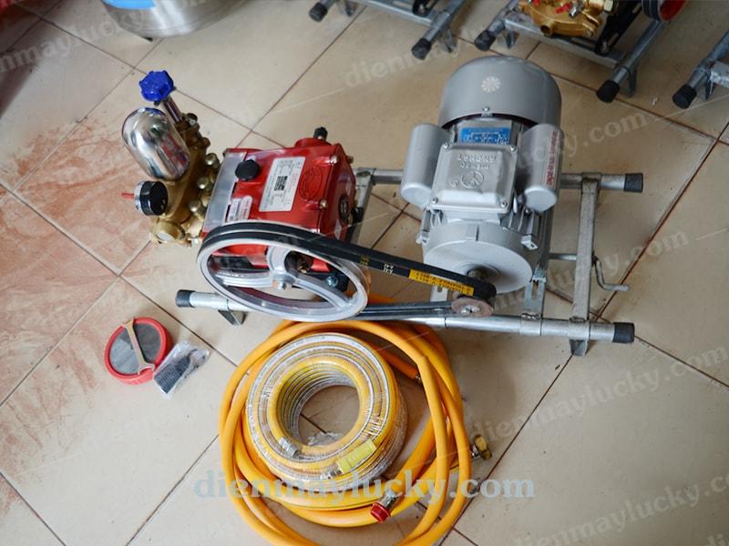 máy rửa xe day dai dai loan