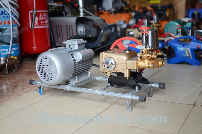 máy rửa xe máy dây đai HL50