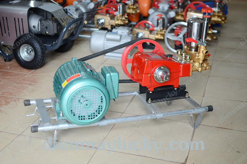 máy rửa xe dây đai hl80
