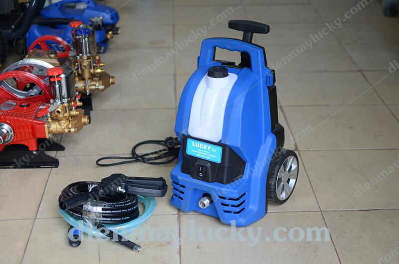 máy rửa xe mini gia đình