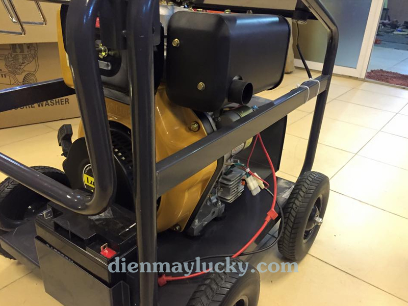 Máy rửa xe cao áp chạy dầu Diesel 10HP