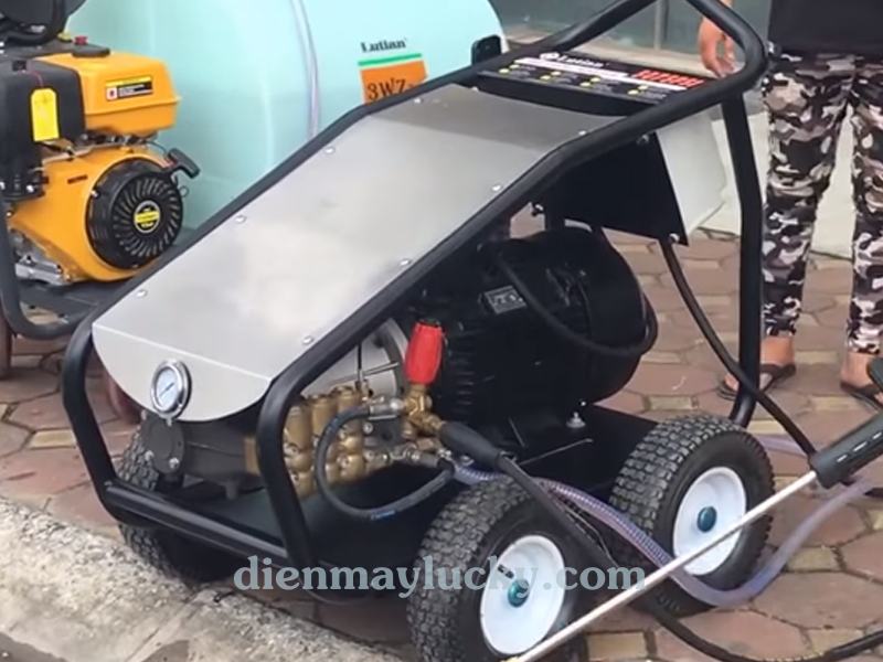 Máy rửa xe siêu cao áp 15KW Lutian