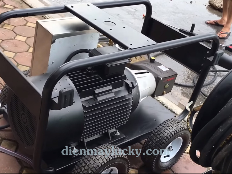 Máy rửa xe siêu cao áp 22KW Lutian