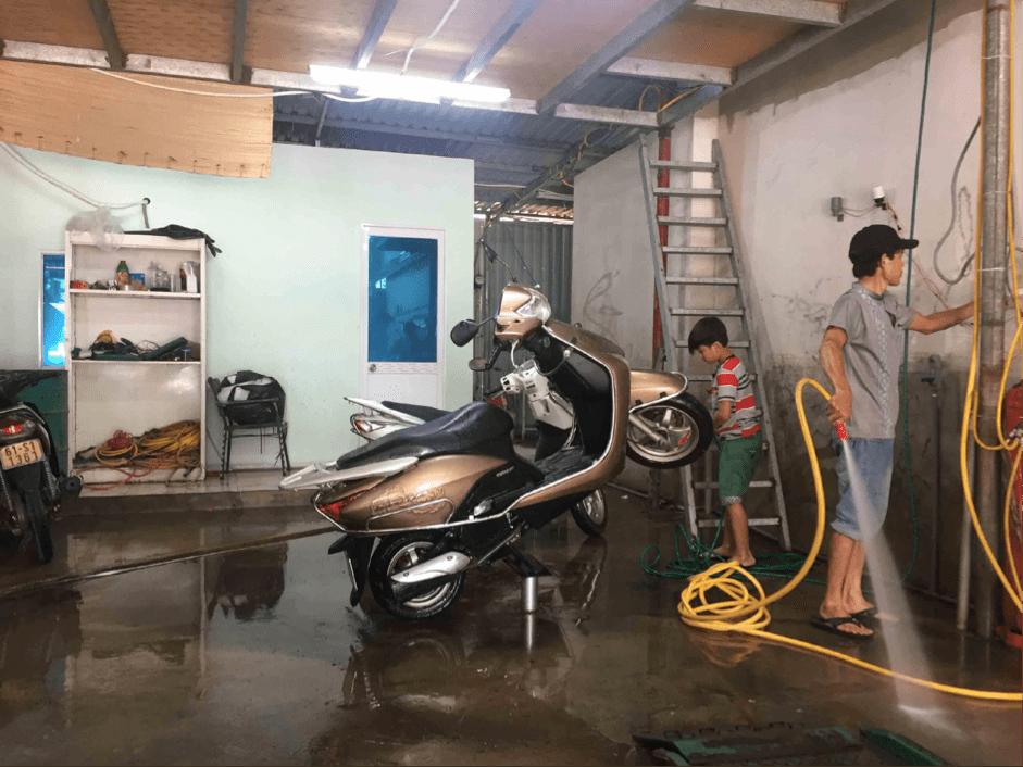 nghề rửa xe máy